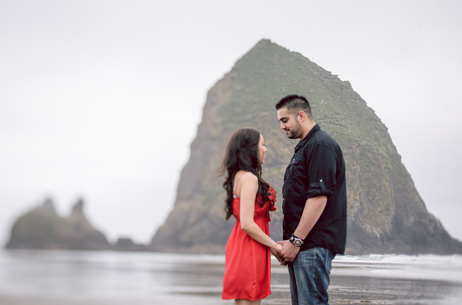 cannon-beach-engagement-3