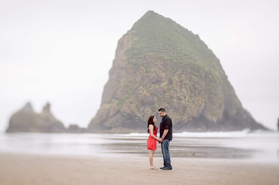 cannon-beach-engagement-5