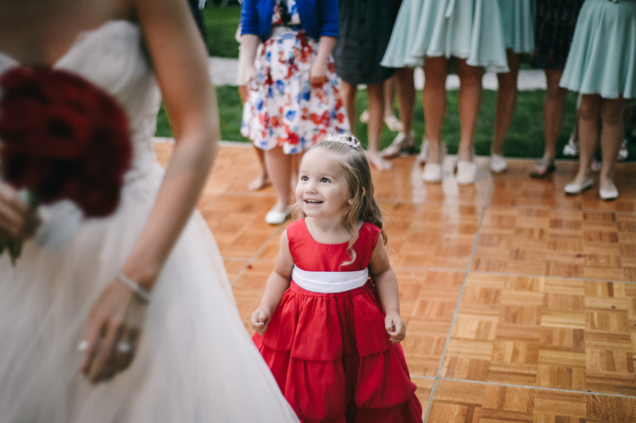 85-flower-girl-bride-flower-toss