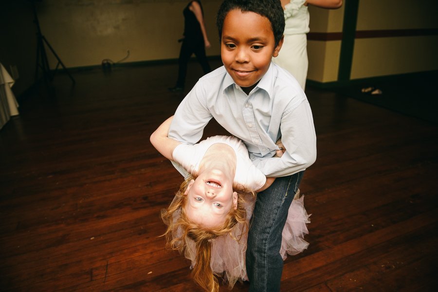 52-kids-dancing-edgefield