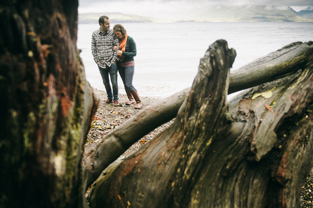 13-drift-wood-seabeck-beach-engagement