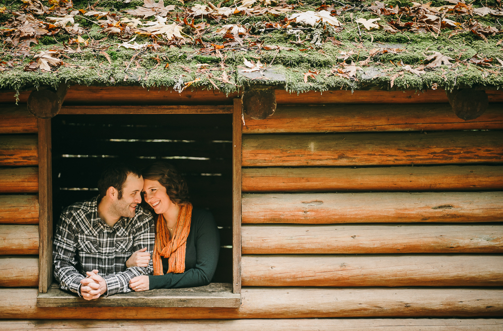 2-cute-couple-in-log-cabin