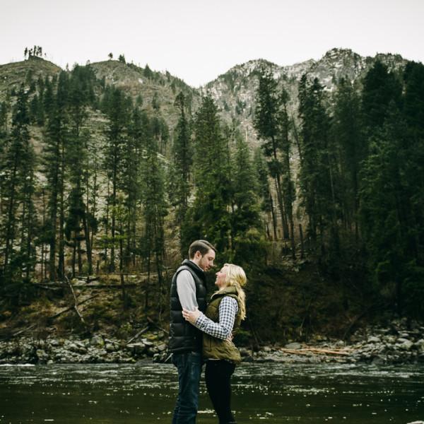 Leavenworth Winter Engagement – Maddie & Austin