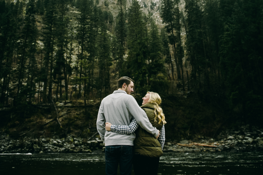 21-cute-forest-engagement