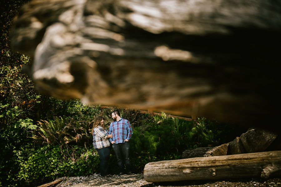 6-scenic-beach-camping-engagement-session