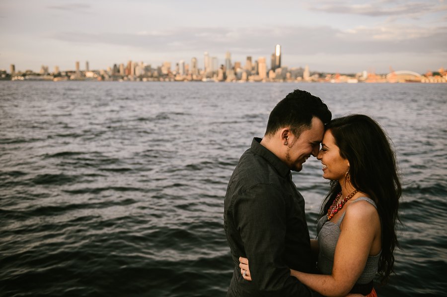 13-alki-beach-wedding-proposal-engagement