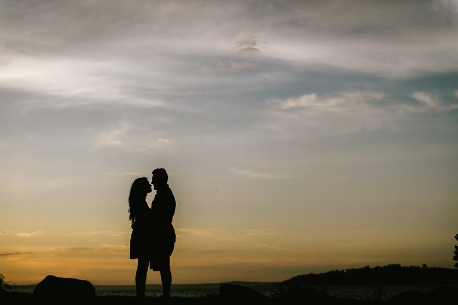 14-alki-beach-wedding-proposal-engagement