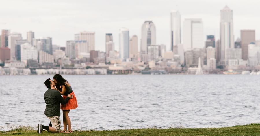 2-alki-beach-wedding-proposal-engagement