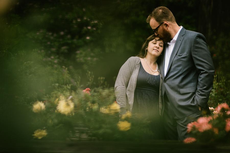 8-portland-rose-garden-engagement-session