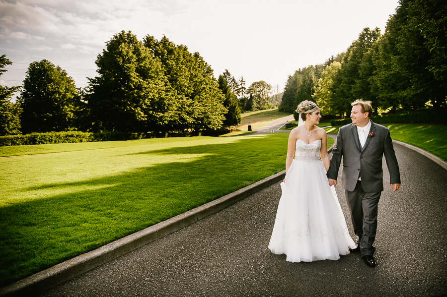 cloudy-oregon-golf-club-summer-wedding-54