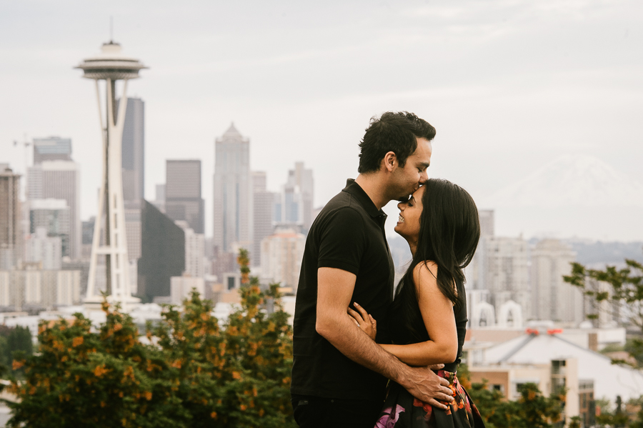 seattle-city-center-space-needle-engagement-session-12