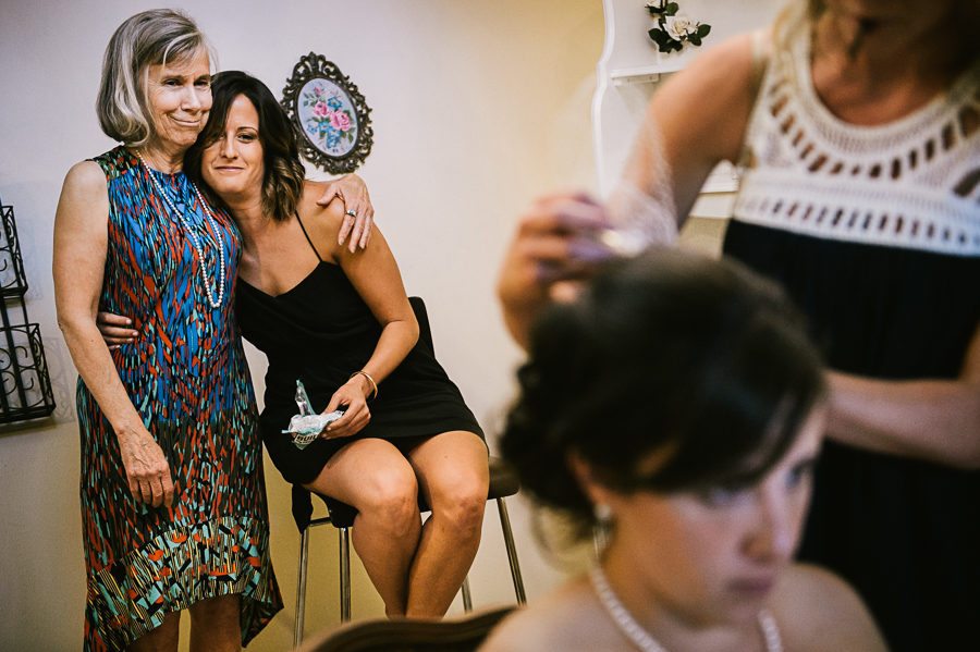 troutdale-house-wedding-photojournalism-16