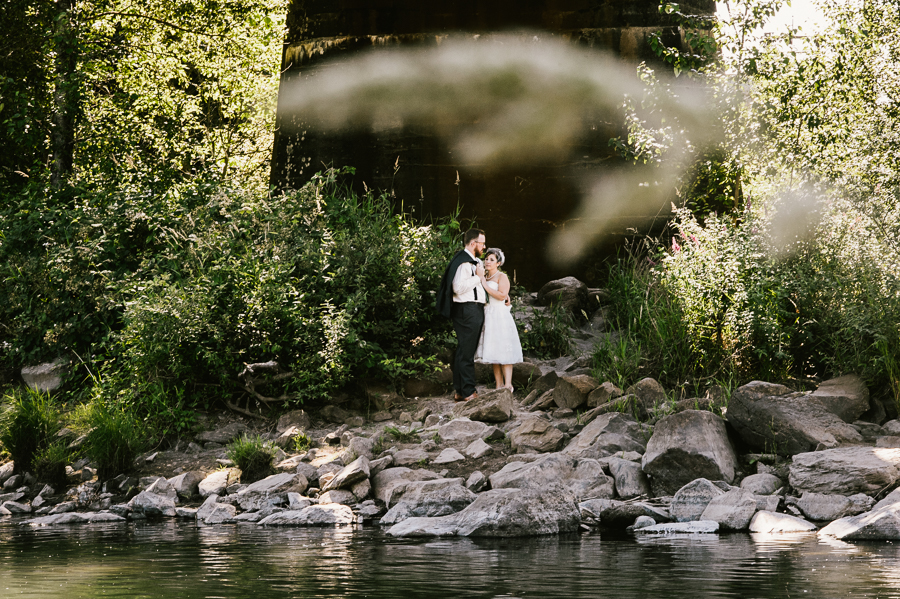 troutdale-house-wedding-photojournalism-21