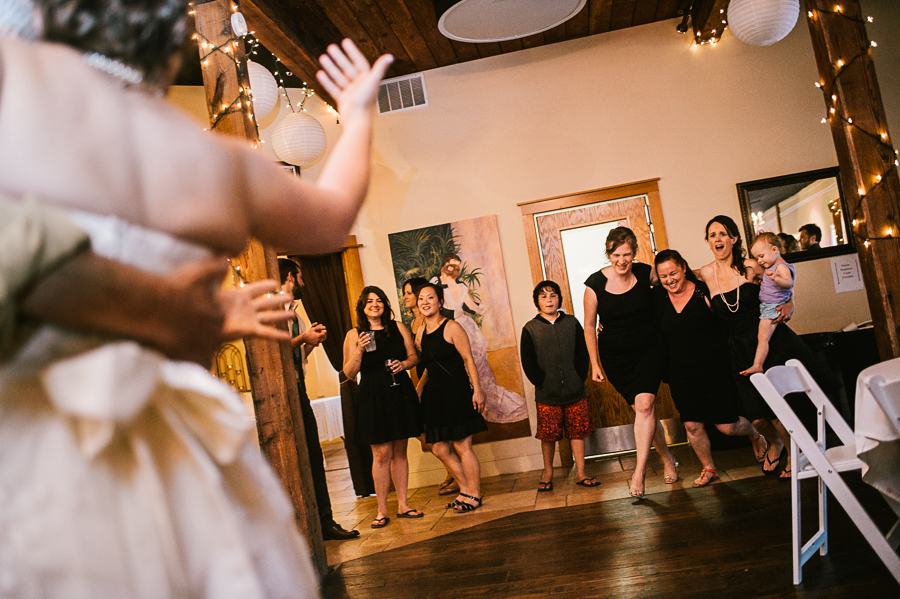 troutdale-house-wedding-photojournalism-43