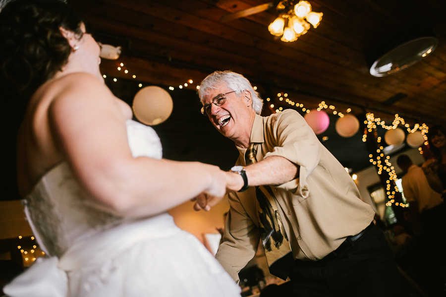 troutdale-house-wedding-photojournalism-45