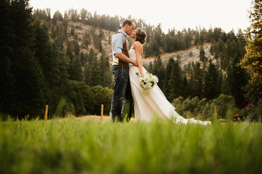red-tail-canyon-farms-wedding-leavenworth-wa-1