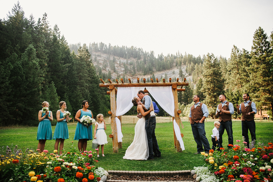red-tail-canyon-farms-wedding-leavenworth-wa-44