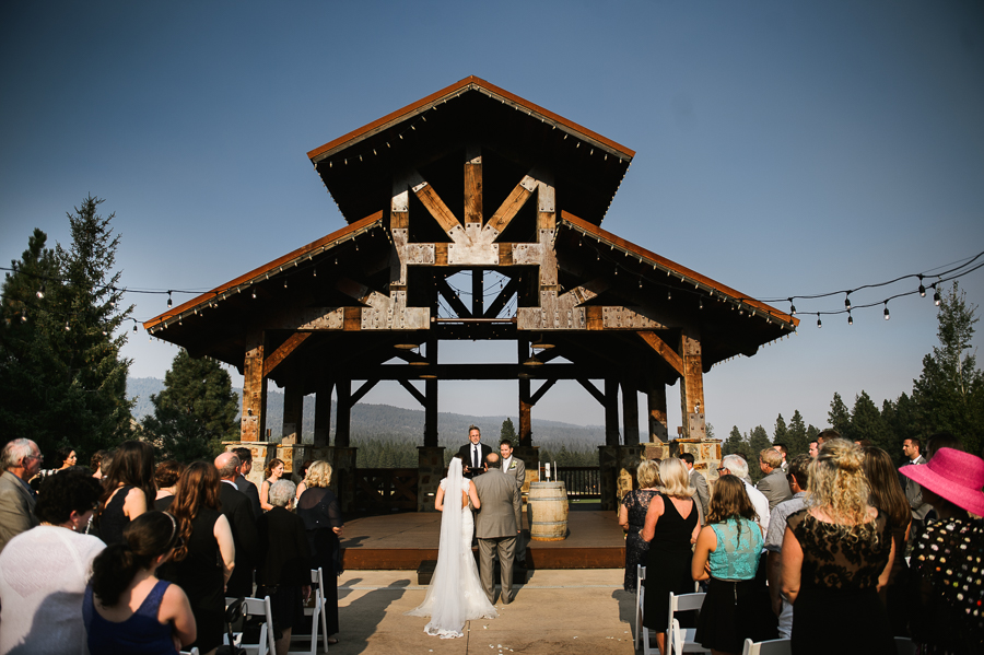 swiftwater-cellars-wedding-ceremony-cle-elum-31