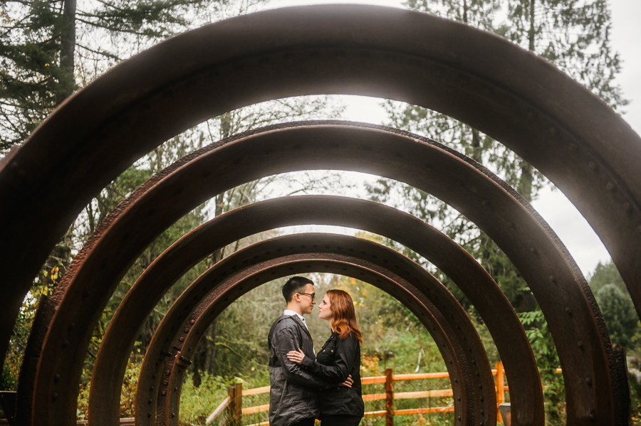 snoqualmie-falls-fall-rainy-engagement-session-16