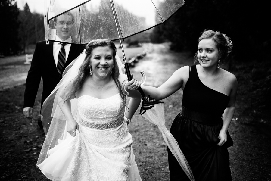 trinifty-tree-farm-fall-rainy-wedding-26
