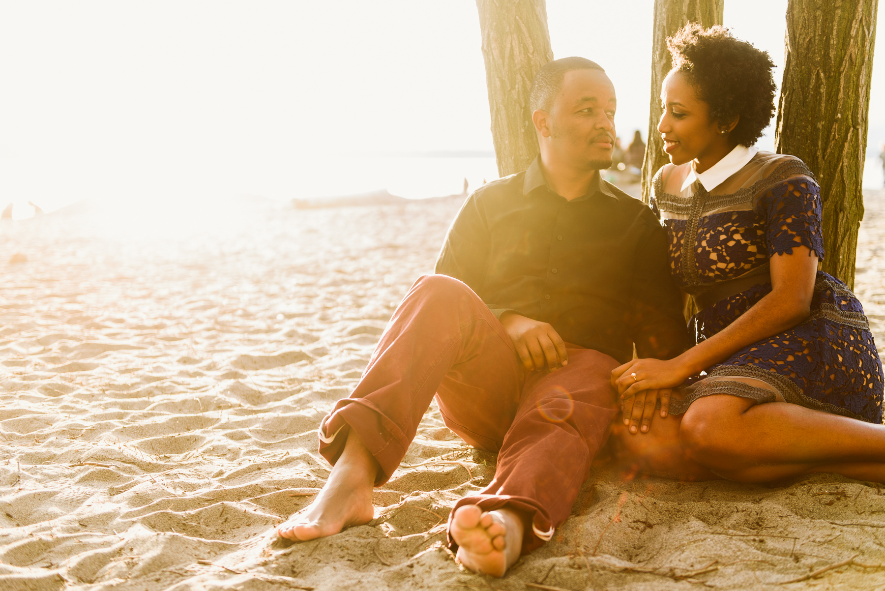golden-gardens-beach-trees-engagement-session-14