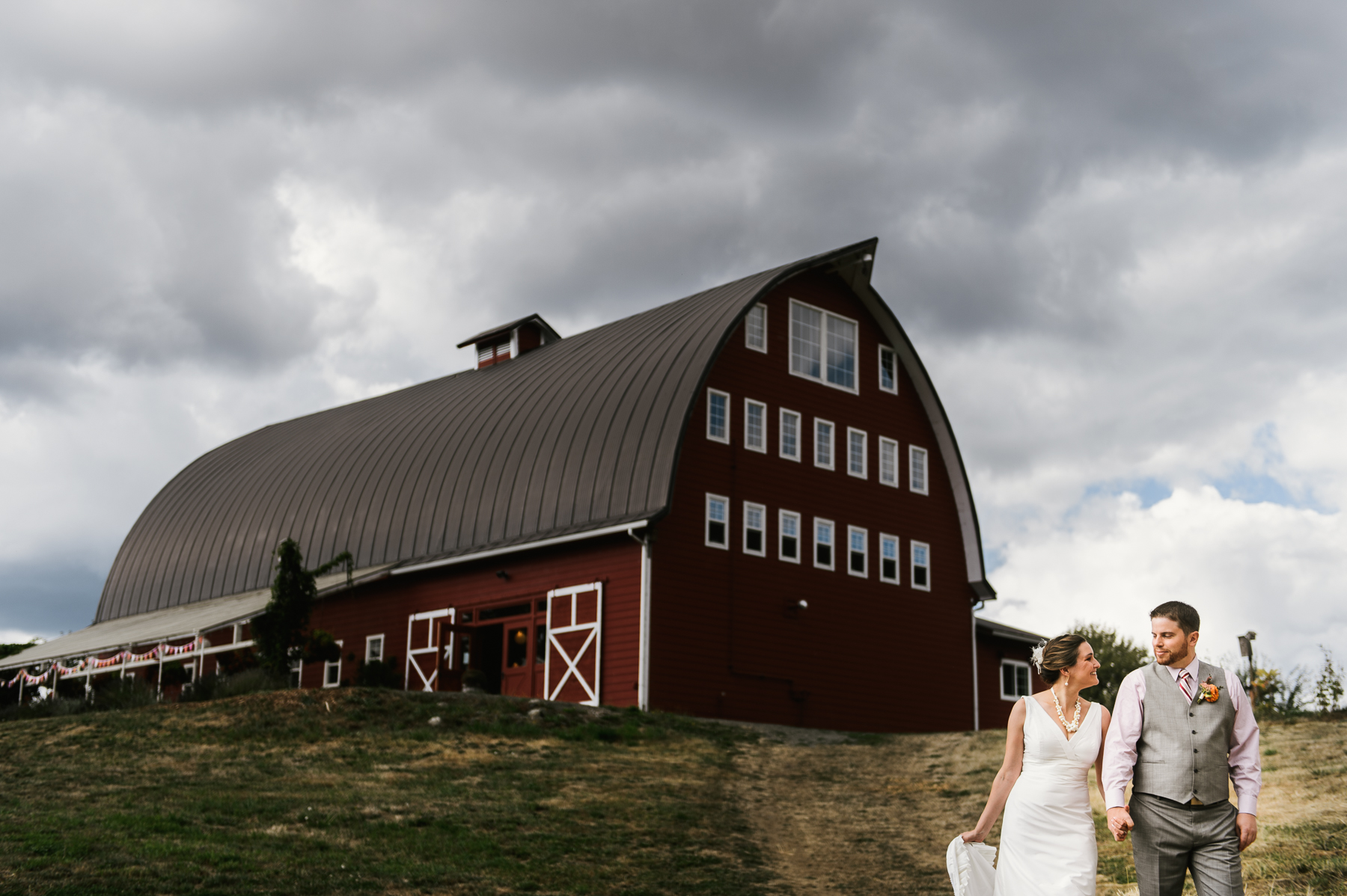 red-barn-studio-wedding-chehalis-washington-11