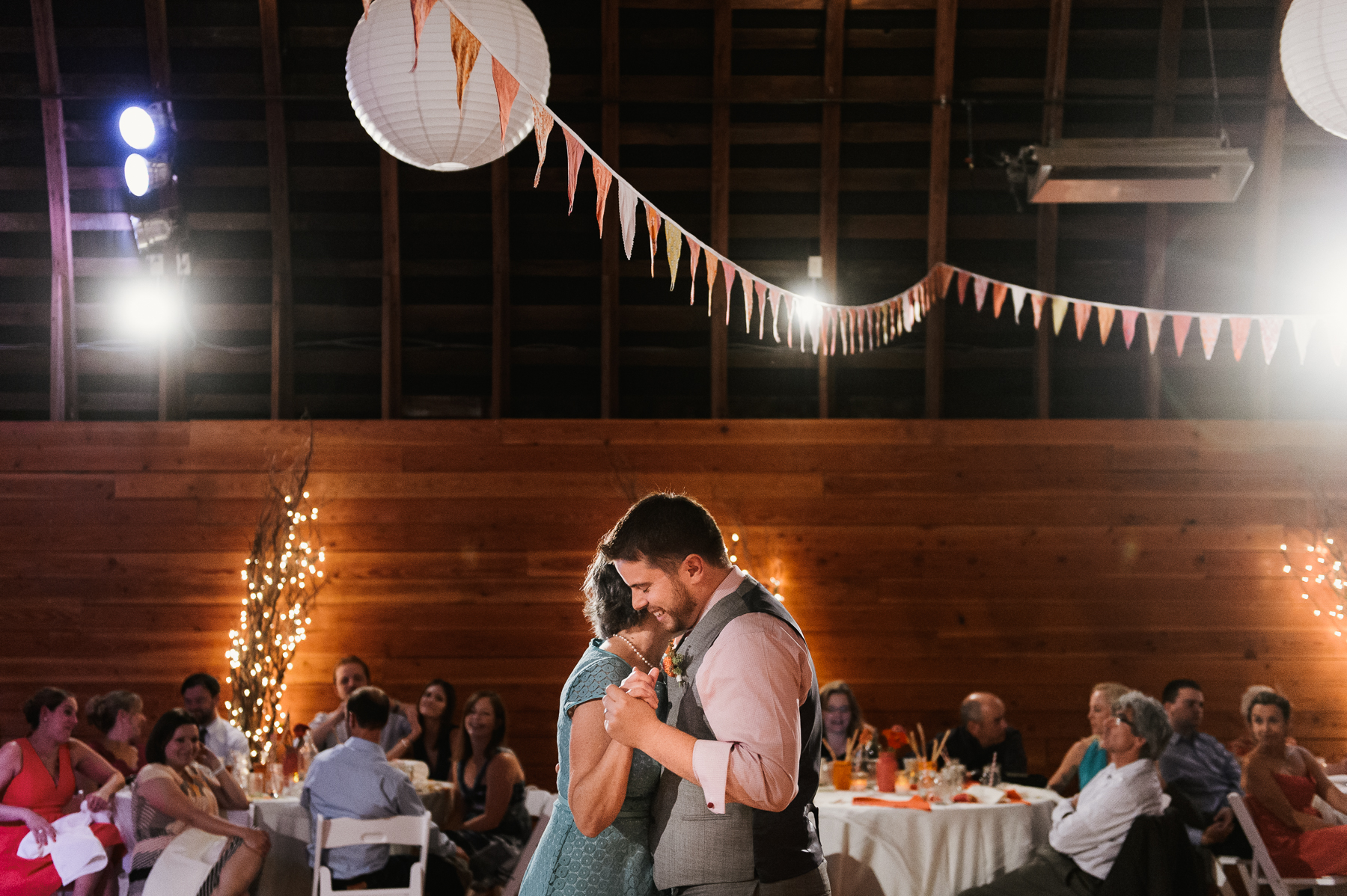 red-barn-studio-wedding-chehalis-washington-44