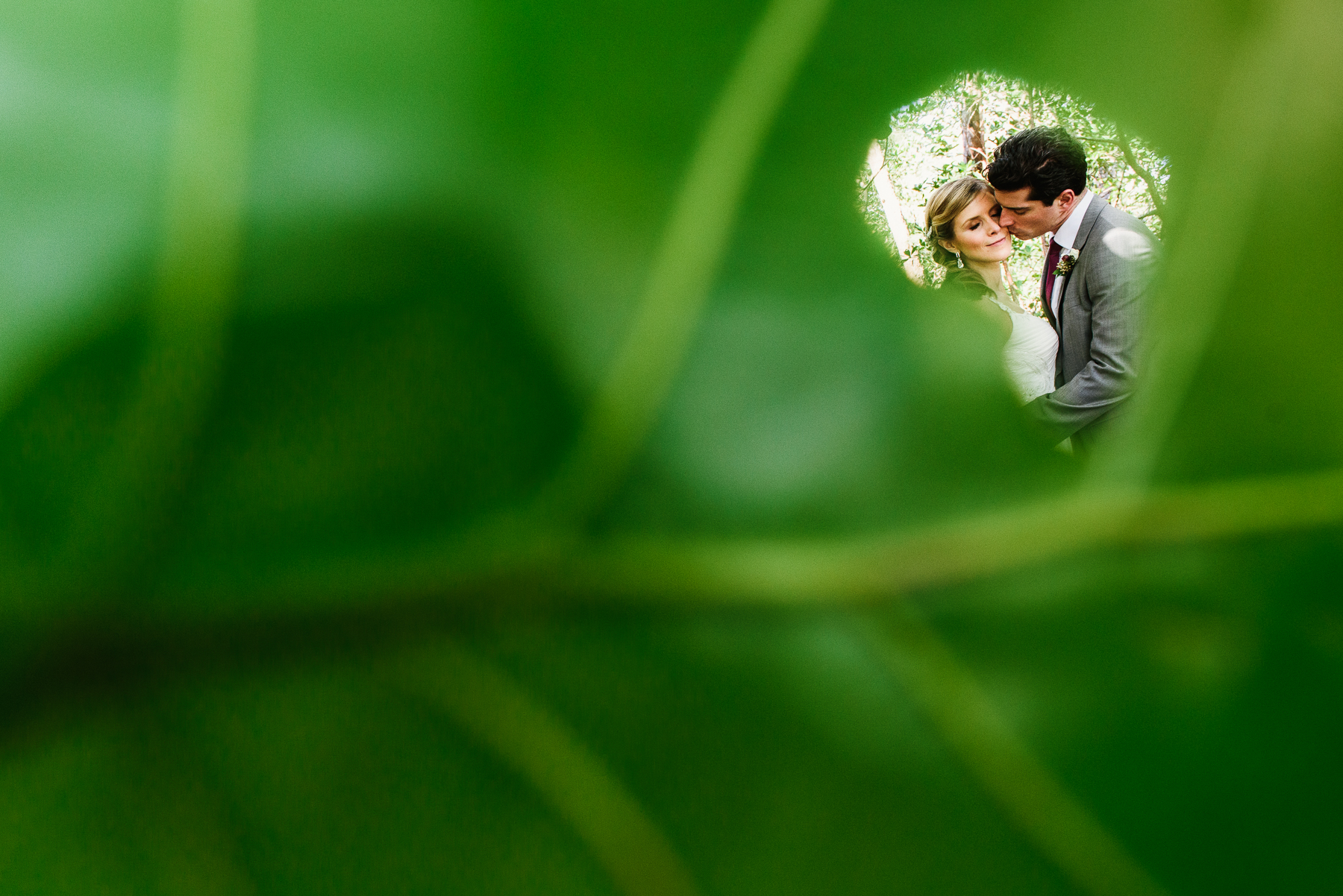 florida destination wedding portrait with leaf