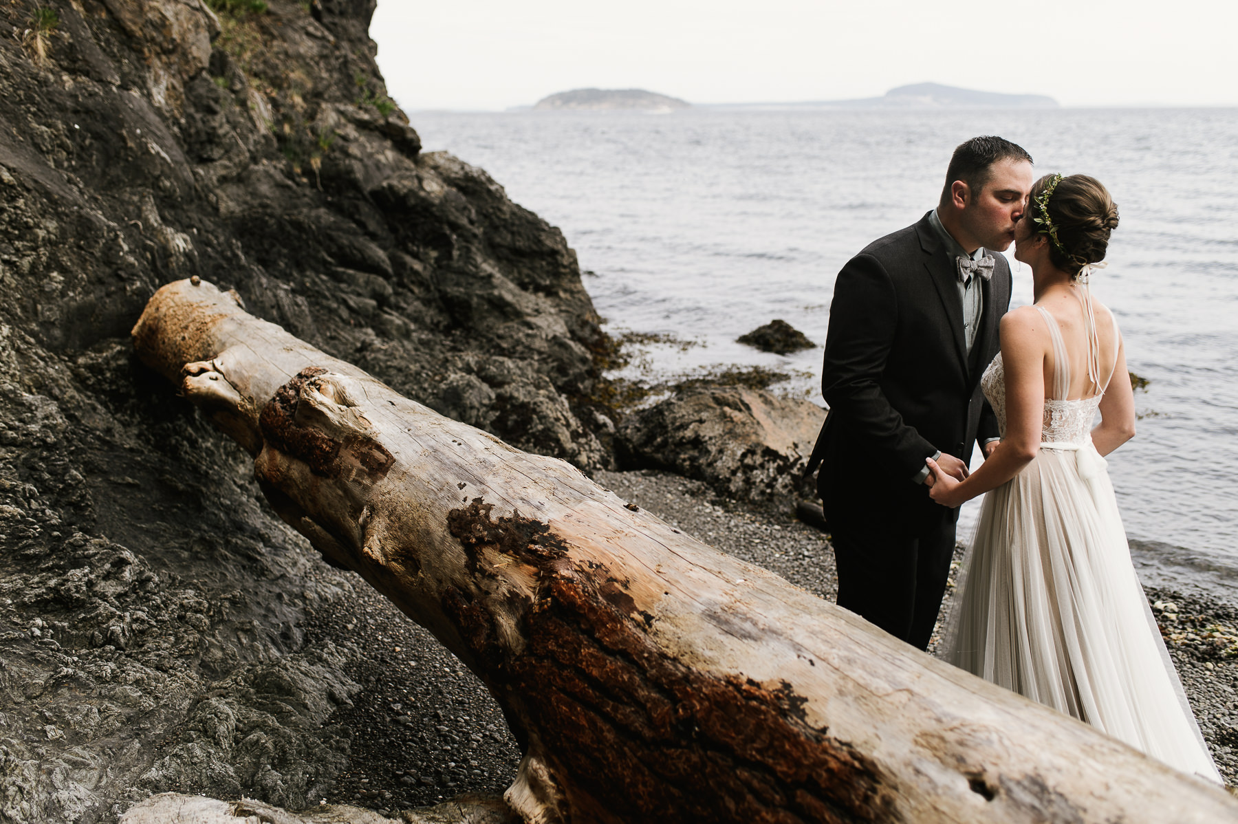 san juan island wedding moment