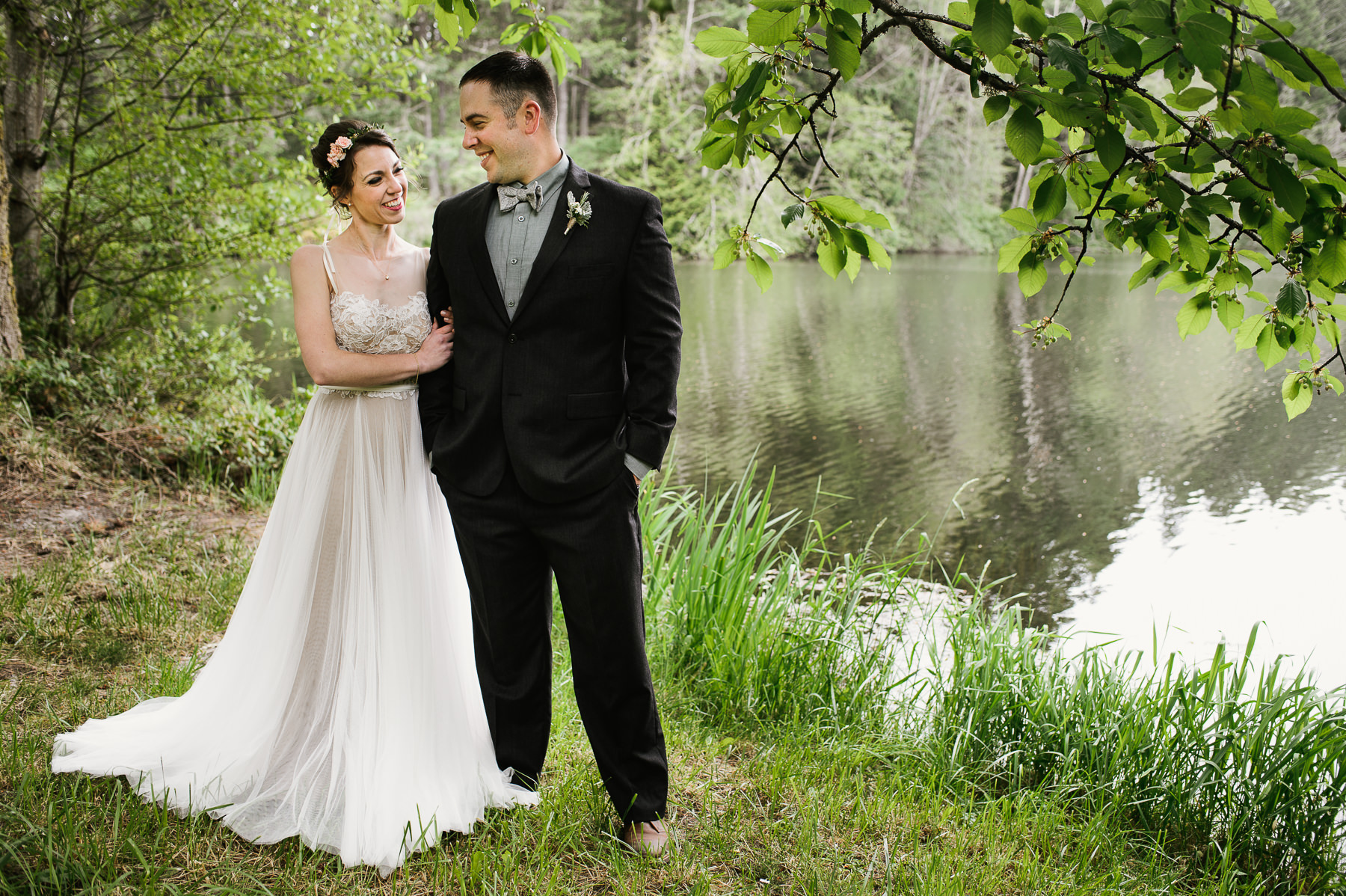 lake dale resort wedding portrait by lake