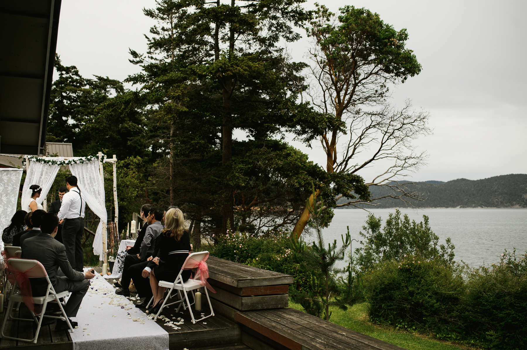 lopez island backyard wedding