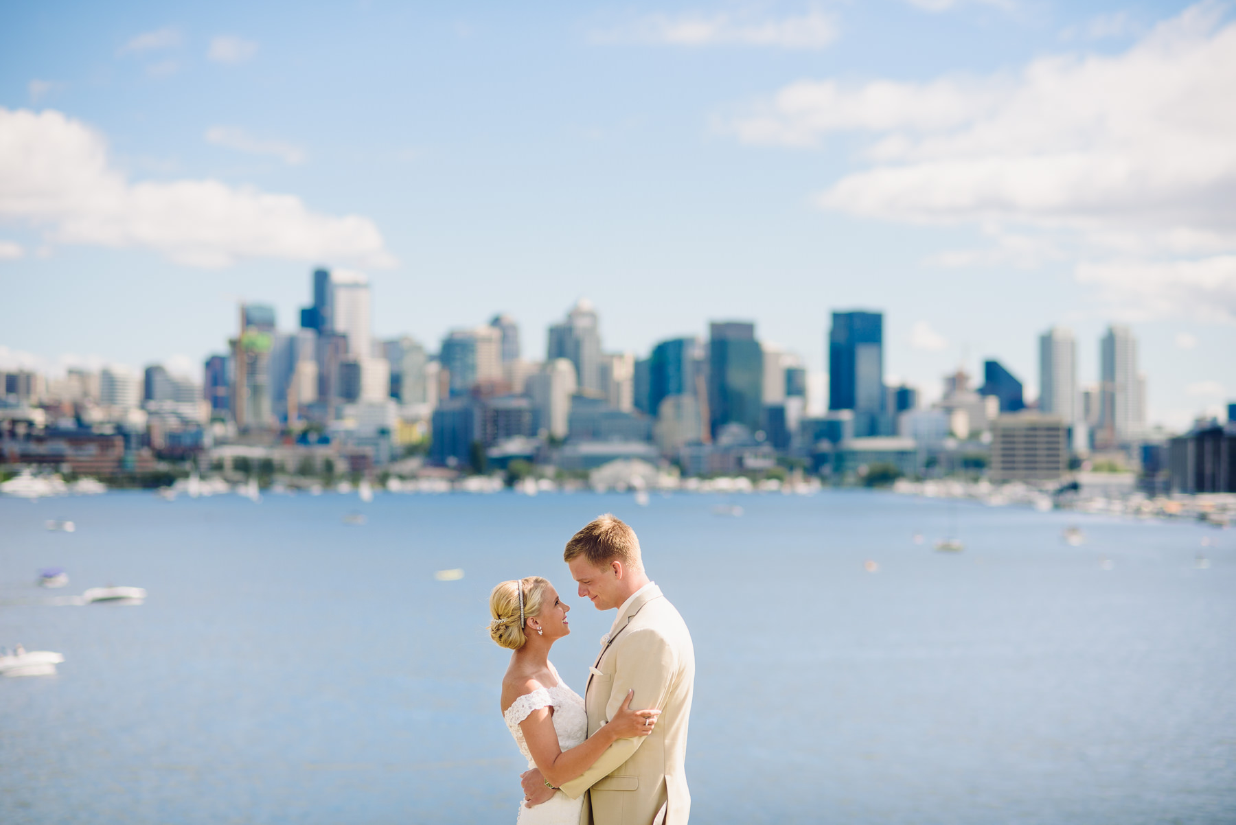 seattle skyline wedding photos