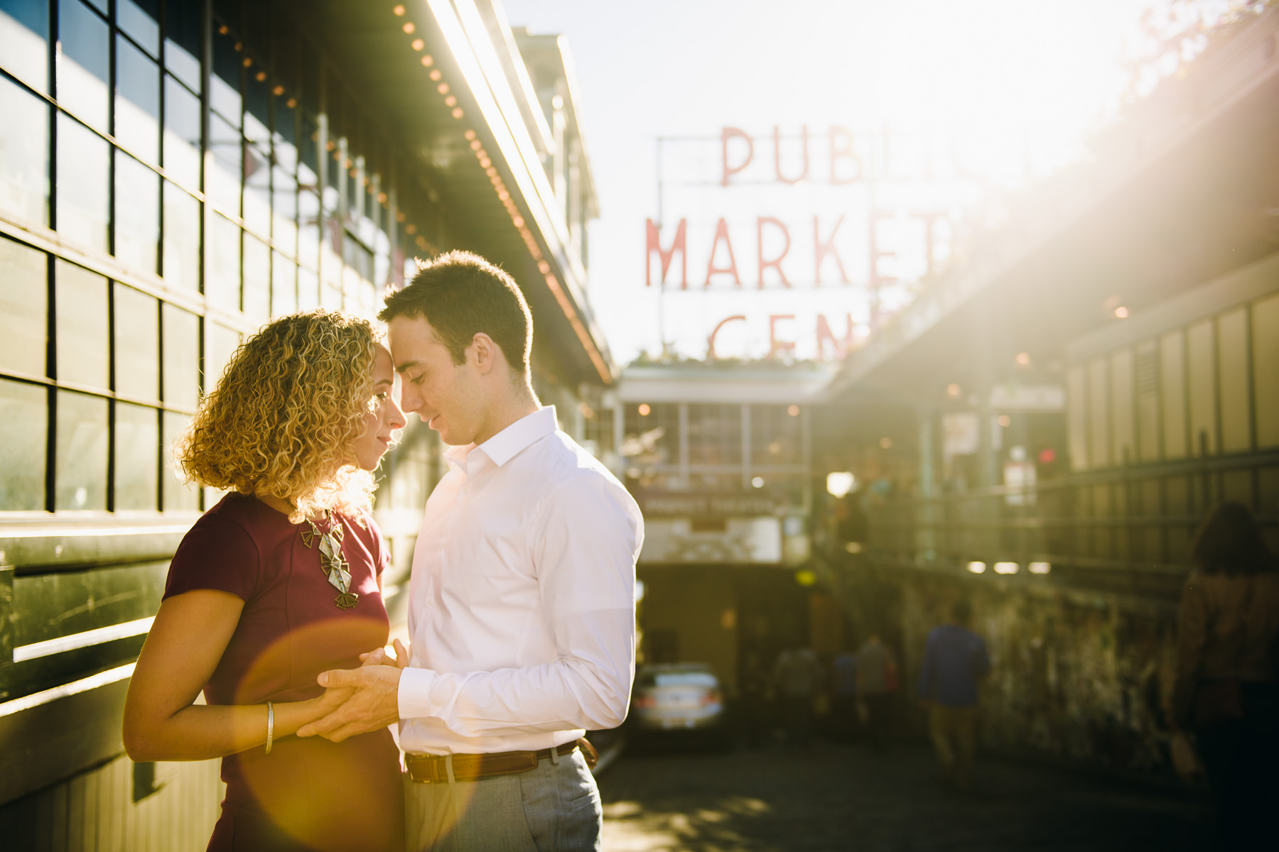 fall pike place market engagement photos