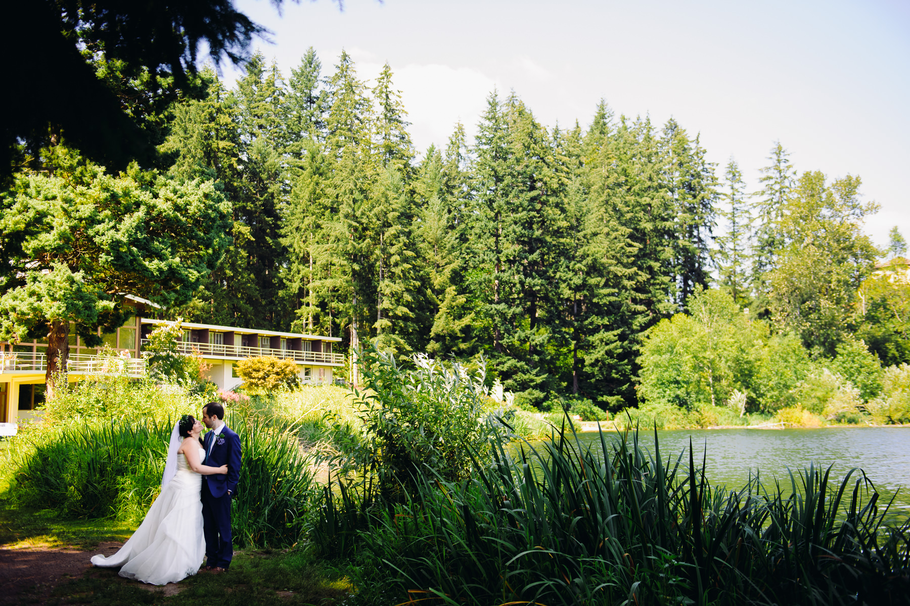 lake-wilderness-lodge-wedding-photos-39