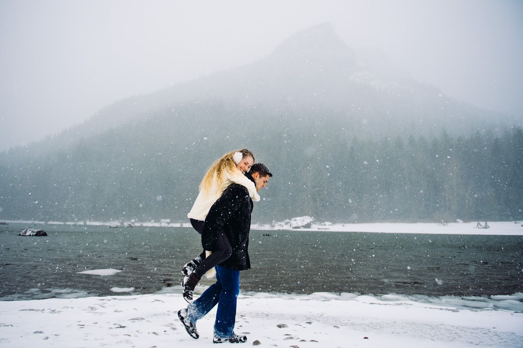 rattlesnake lake snowy engagement photos