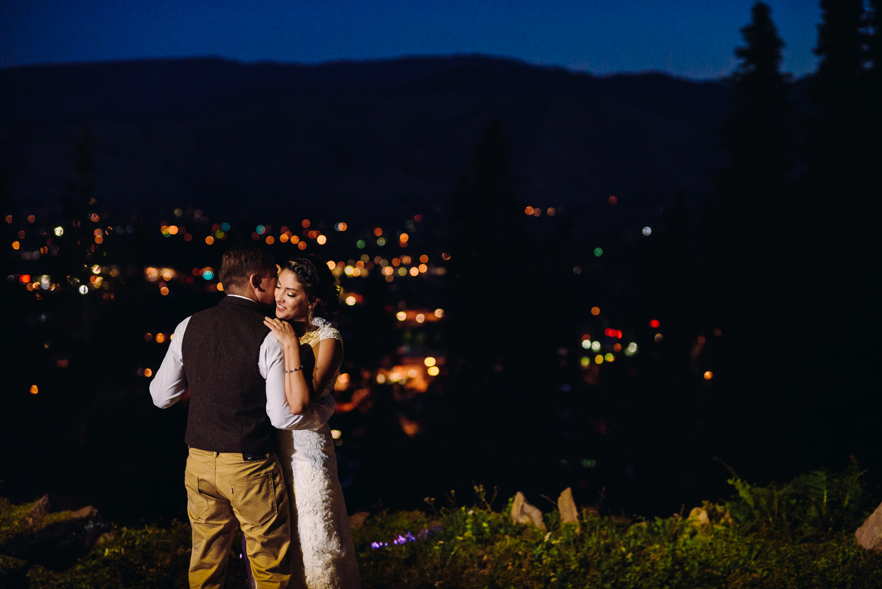 wedding first dance over wenatchee