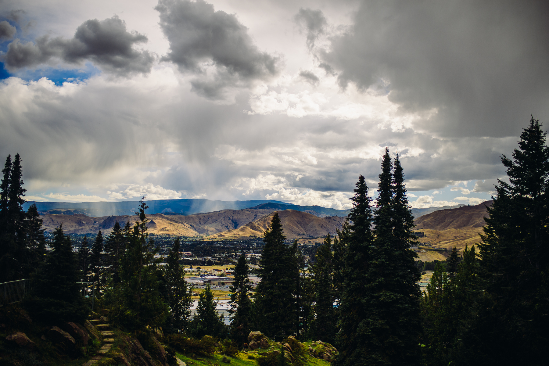 home gardens view of wenatchee