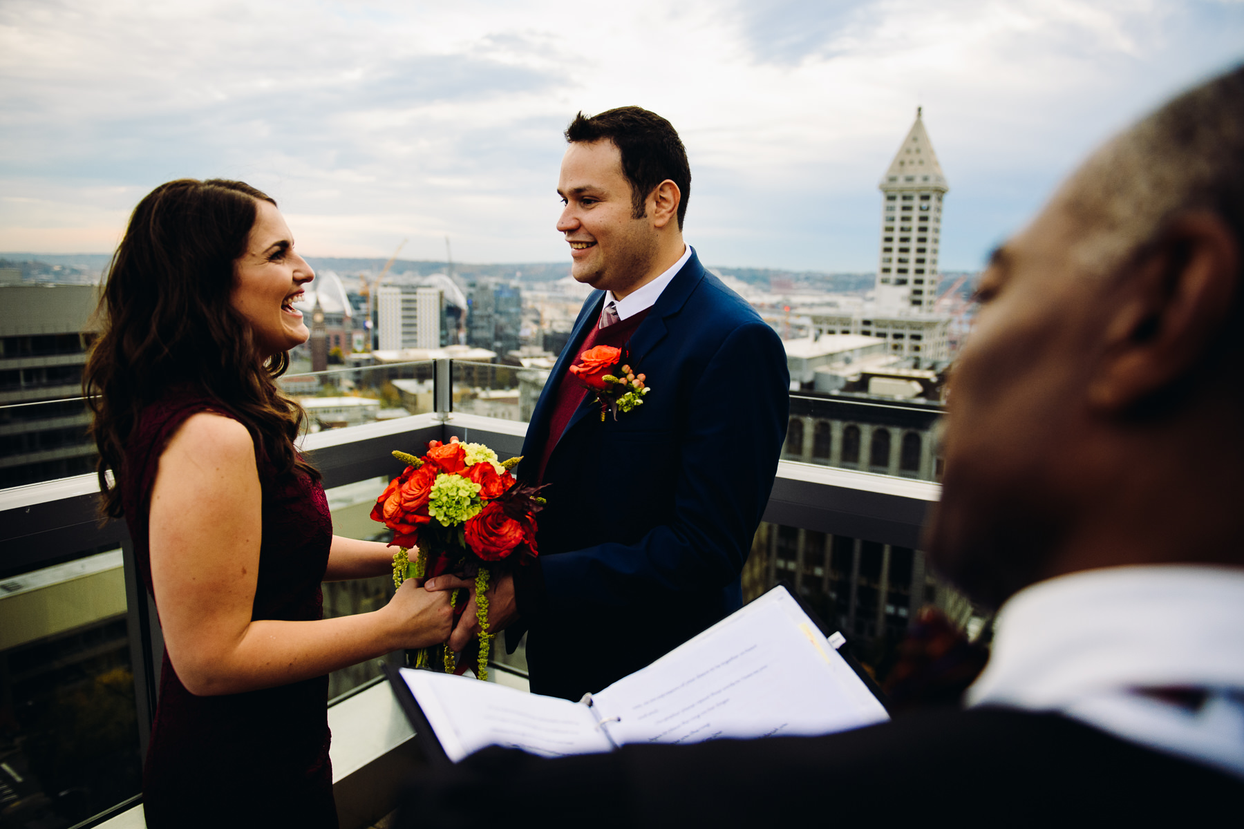 Seattle courthouse rooftop wedding photos