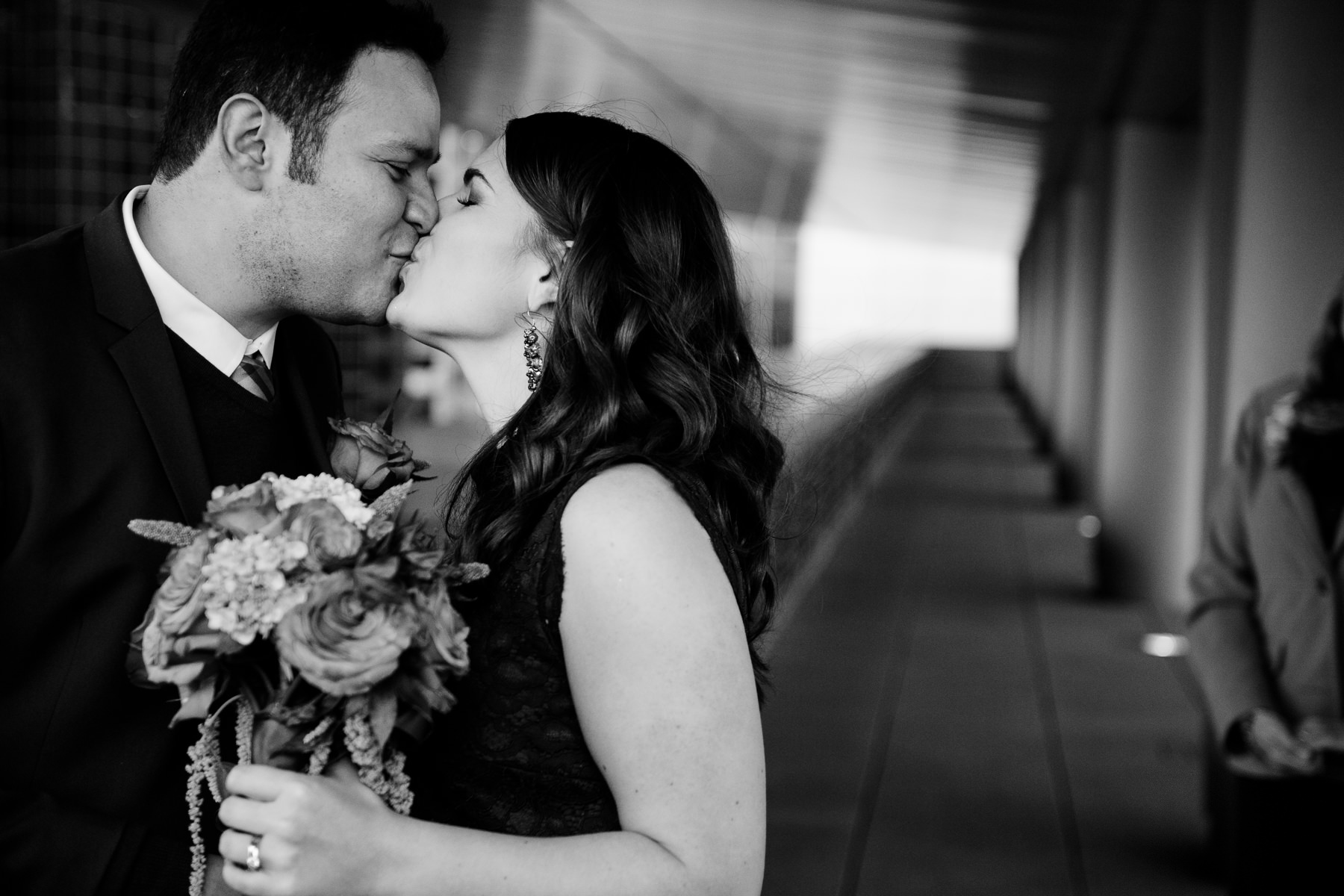 seattle courthouse wedding moment