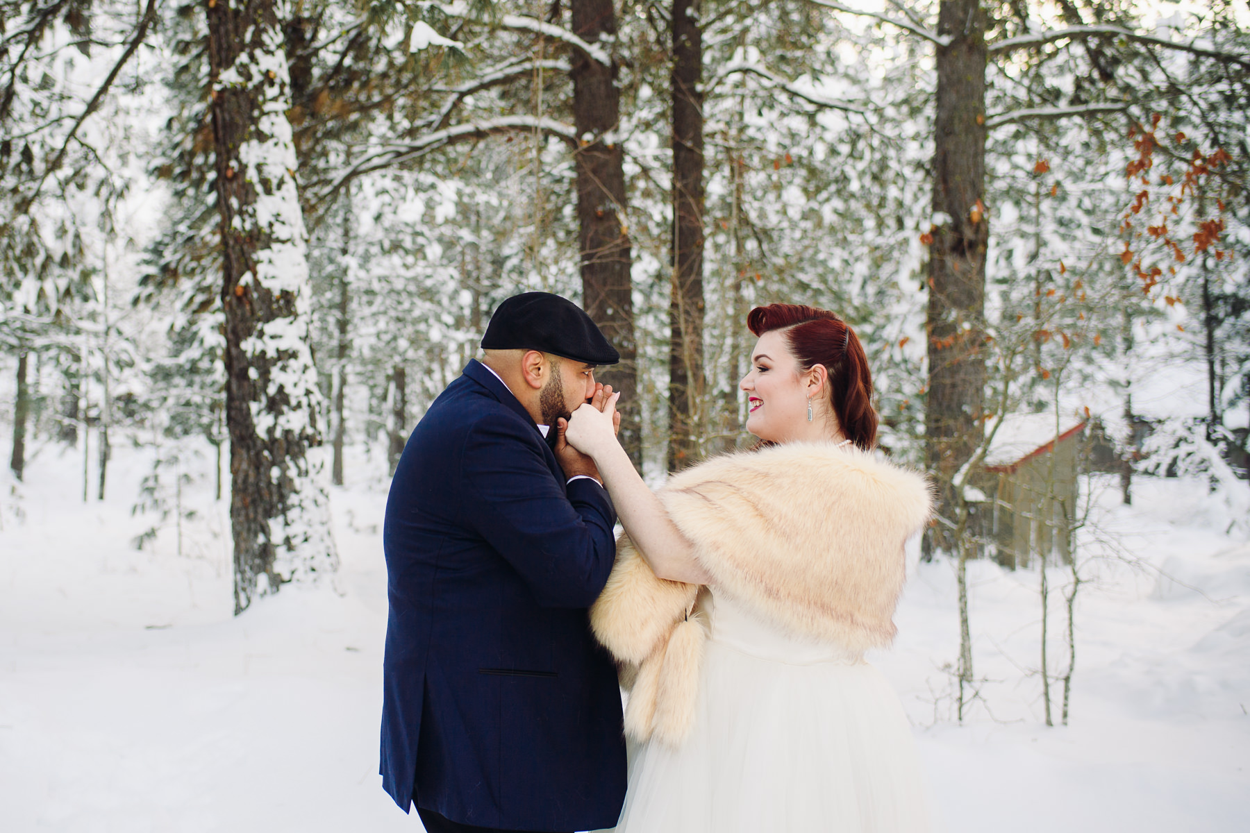 sleeping lady resort wedding in the snow