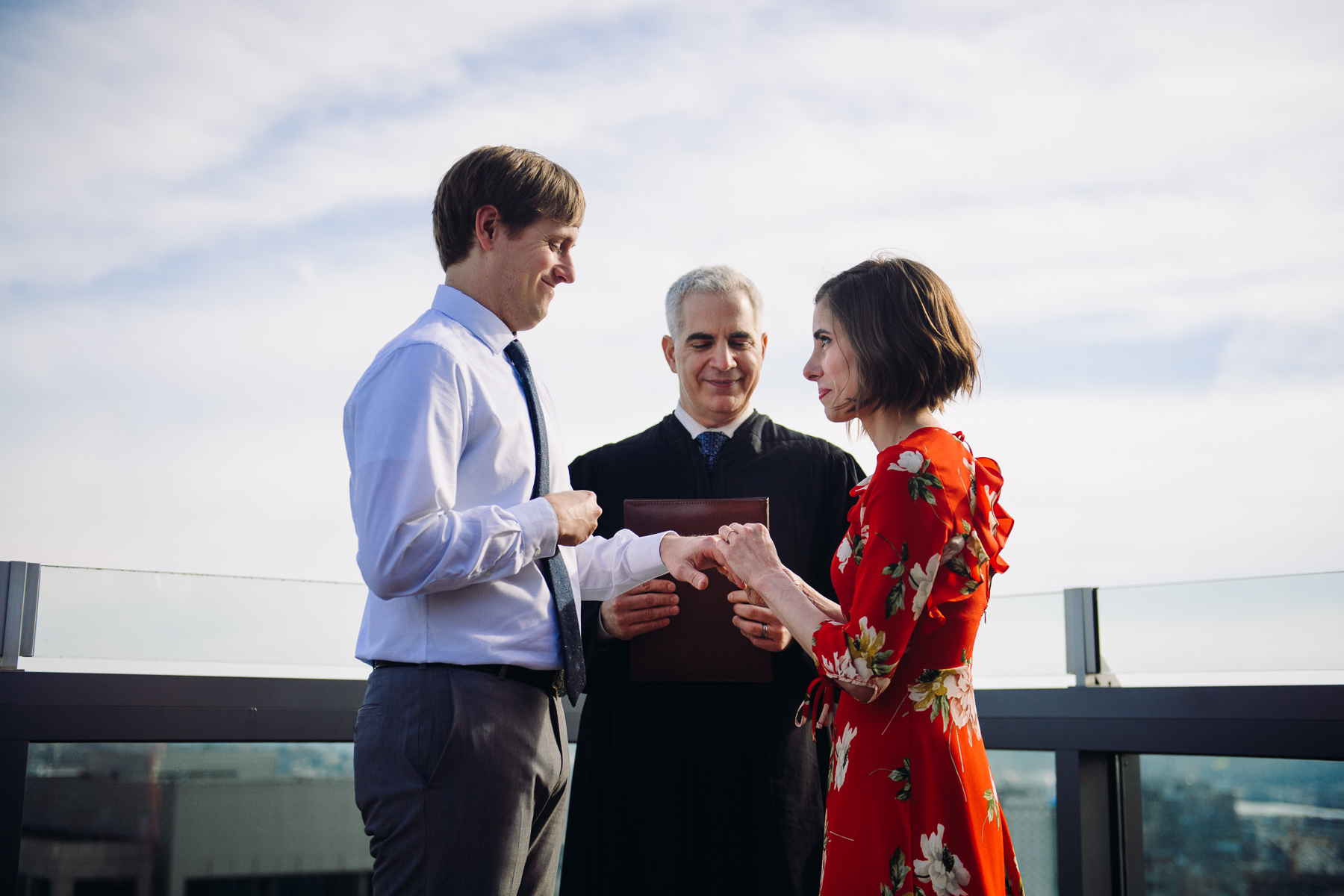 downtown-seattle-roof-top-elopement