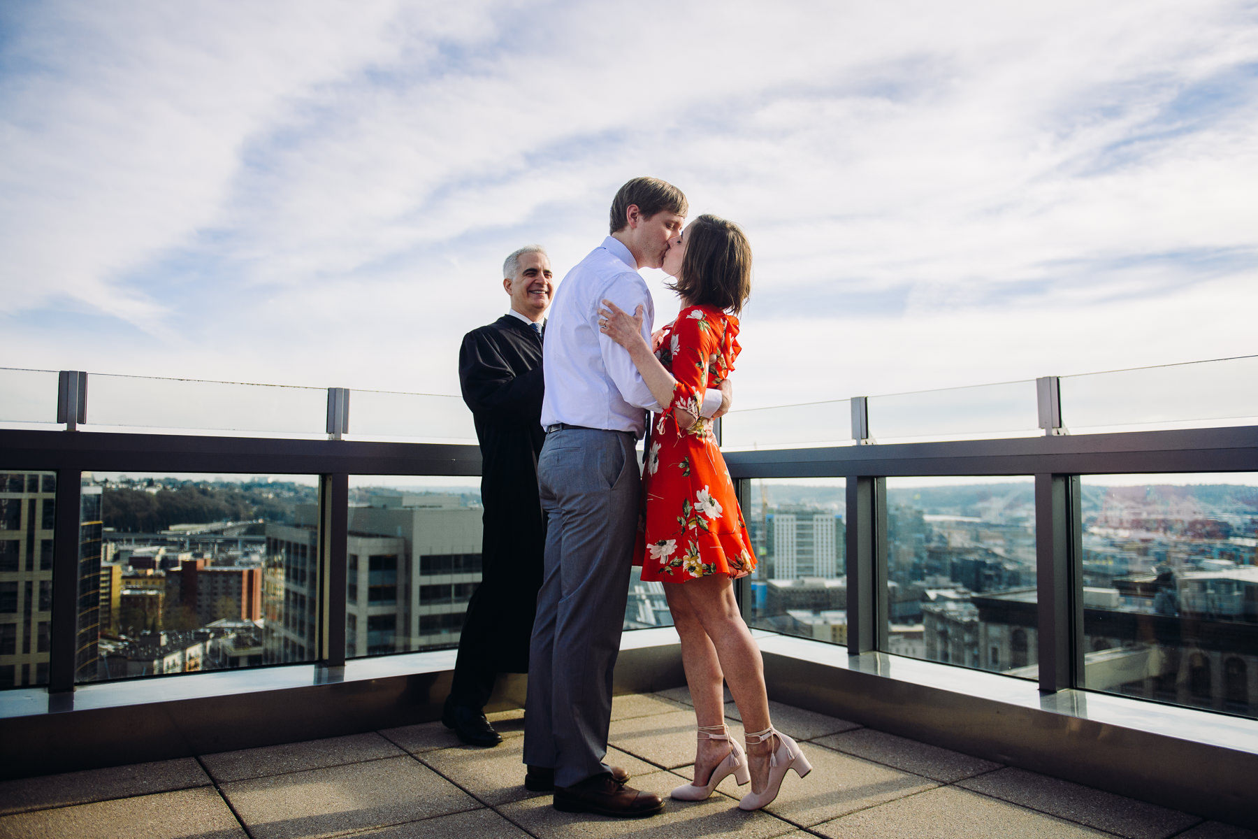 seattle-court-house-roof-top-wedding