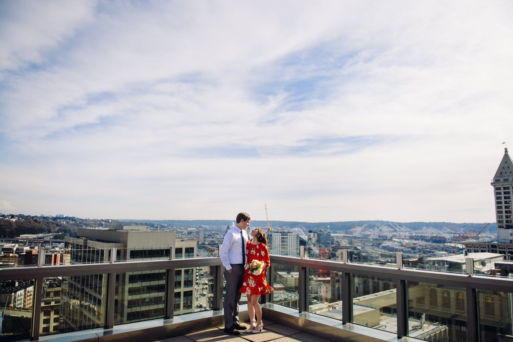dramatic-seattle-court-house-wedding