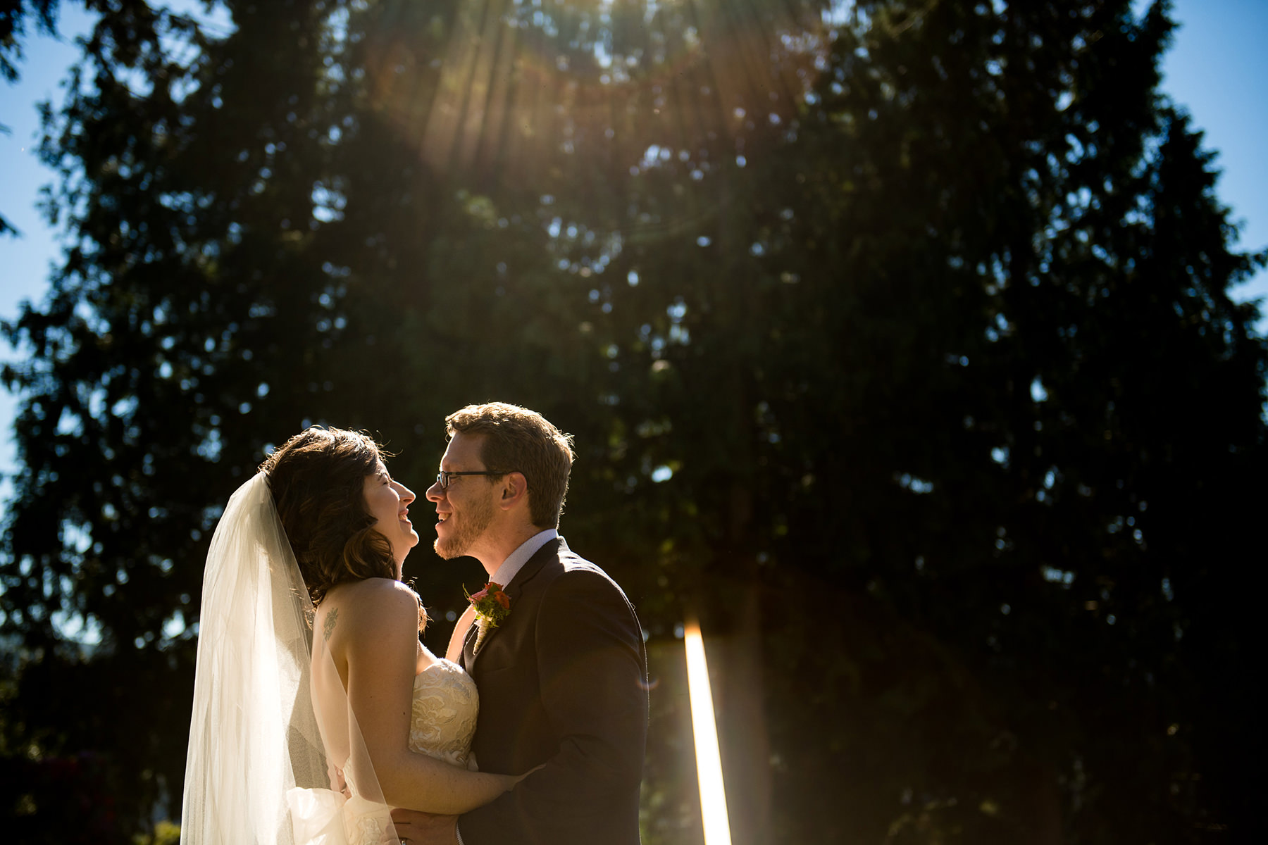 Bellingham backyard wedding couples portraits
