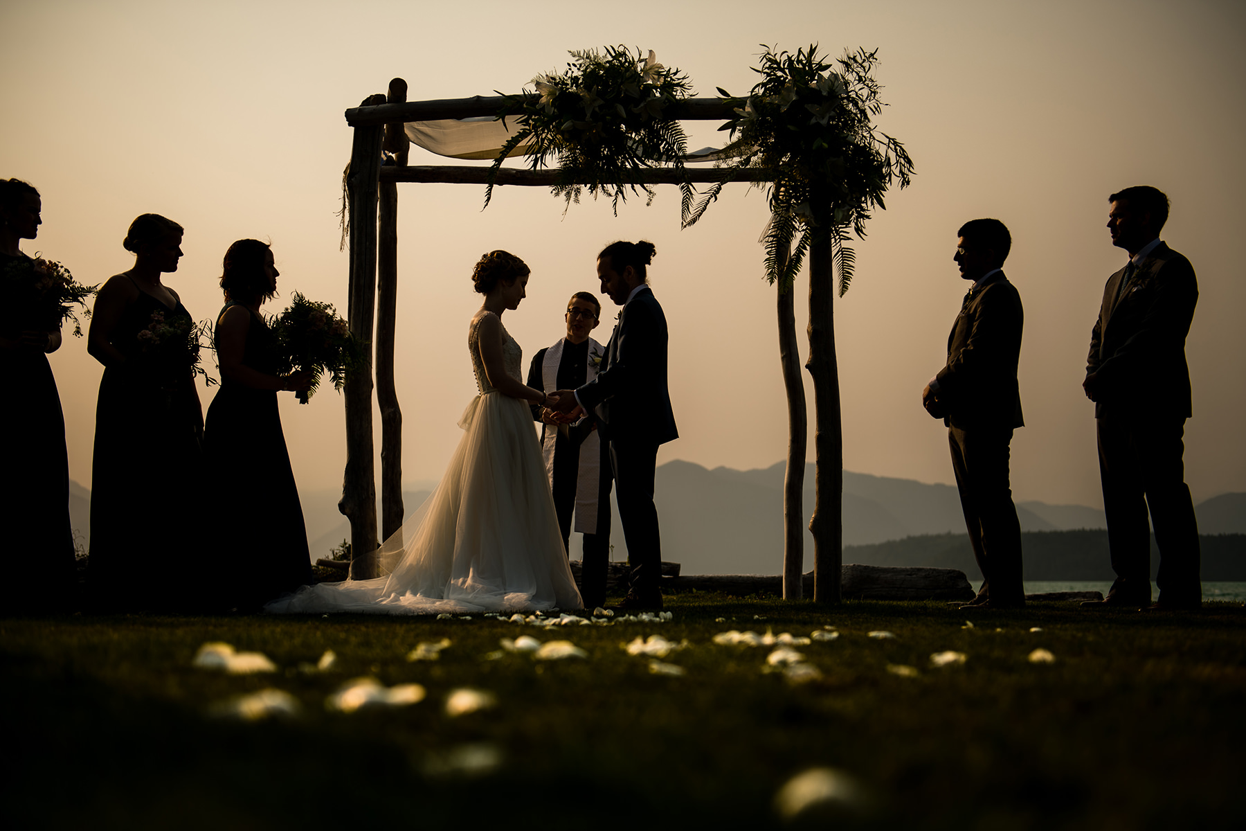 dramatic smoky wedding ceremony